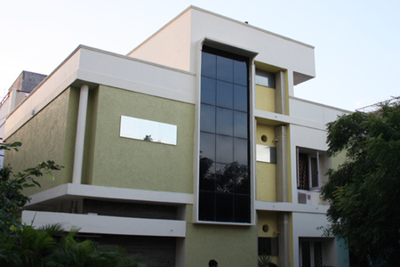 Located in the heart of Hyderbad, designed with fully furnished Single room