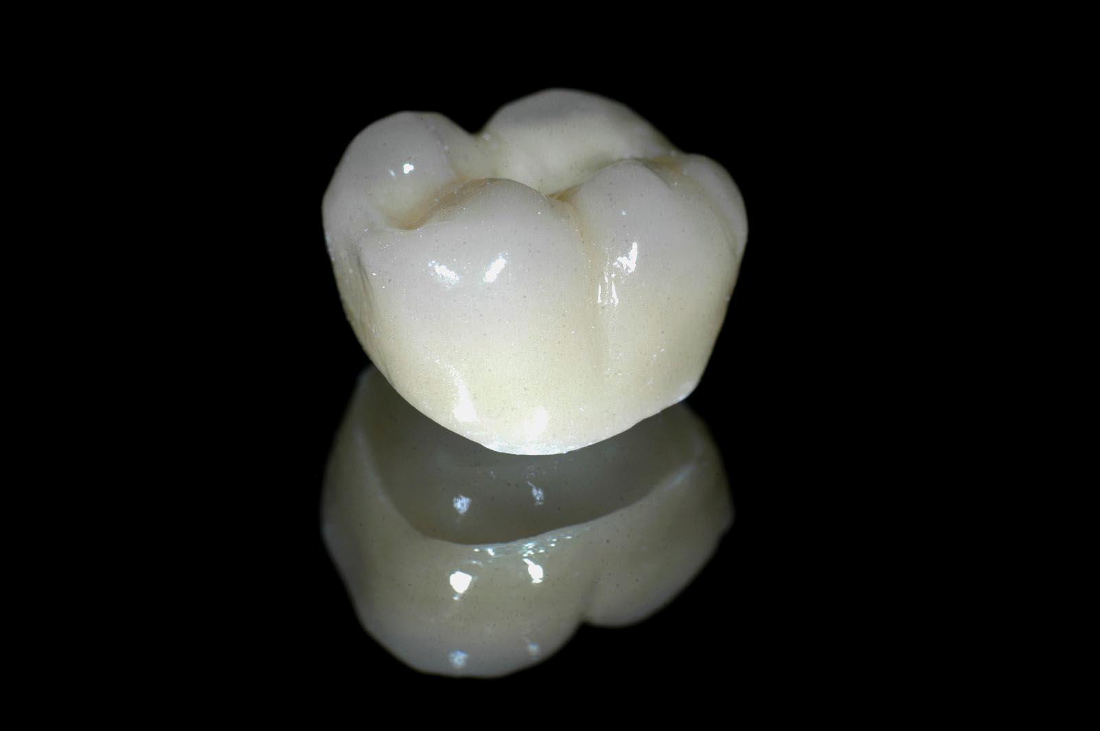 Zirconium Crown | GloboMD