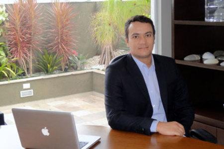 Dr. Alieksiei Carrijo - Cosmetic & Dermatology Clinic