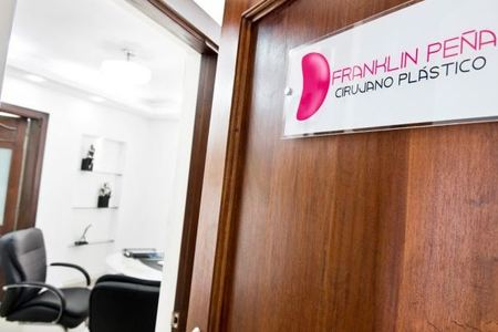 Dr. Franklin Peña - Plastic, Aesthetic and Reconstructive Surgeon.