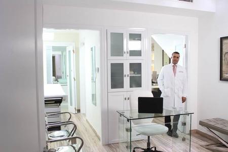 Dr. Jairo Ulerio