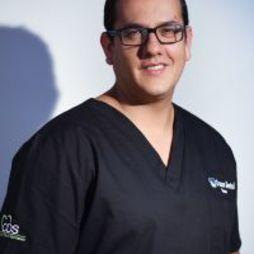 Dr. Omar Lugo Carreño DDS,OMS