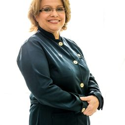 Dr. Olga Paulus