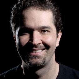 Dr. Mauricio de Maio