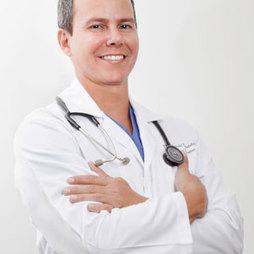 Dr. Harold  Villalobos